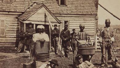 Mathew Brady, Escaped slaves at General Lafayette's headquarters, 1862