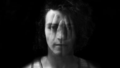 5 Signs of Covert Intimidation – a Sneaky Manipulation Tool Narcissists Use