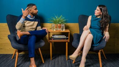 6 Annoying Conversational Habits That Push People Away